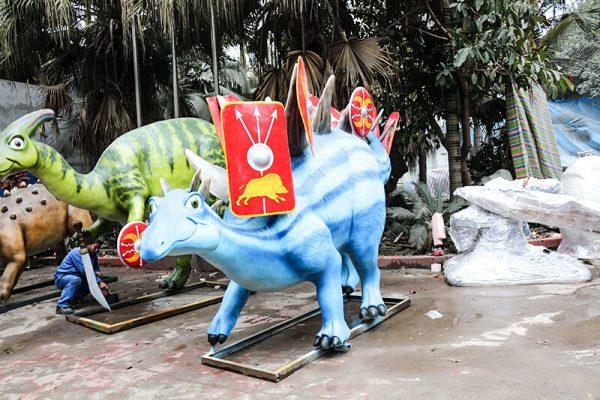 Custom Fiberglass Dinosaur Cartoon Stegosaurus2