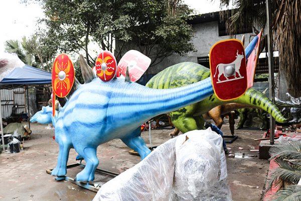 Custom Fiberglass Dinosaur Cartoon Stegosaurus3