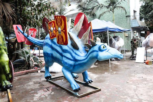Custom Fiberglass Dinosaur Cartoon Stegosaurus4