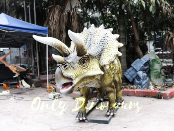 Jurassic Park Animatronics Triceratops for sale2