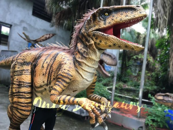 Jurassic-World-Dinosaur-Costume-Adults-Realistic-Raptor4-1