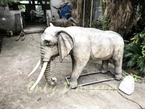 Juvenile Animatronic Elephant Realistic Model2