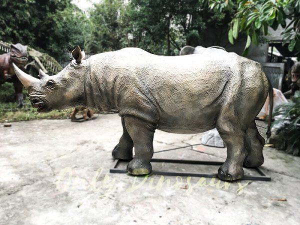 Museum Exhibition Animatronic Animals Rhinoceros1