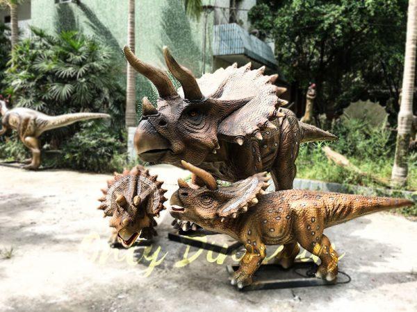 Realisitc Animatronic Triceratops Two babies One Adult1