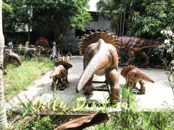 Realisitc Animatronic Triceratops Two babies One Adult3