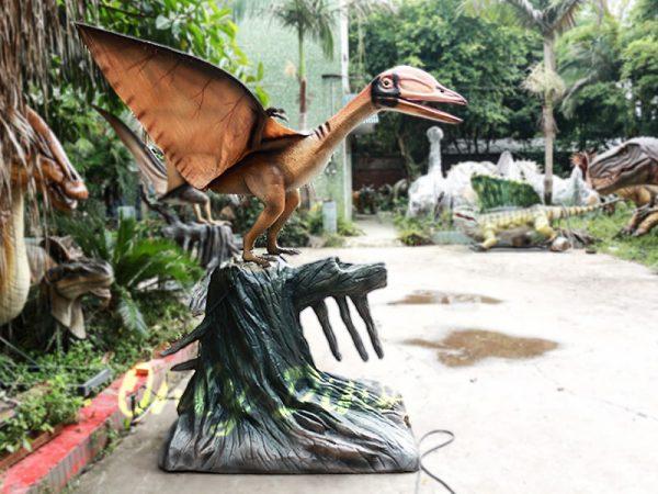 Realistic Animatronics Pteranodon with Tree Stump1