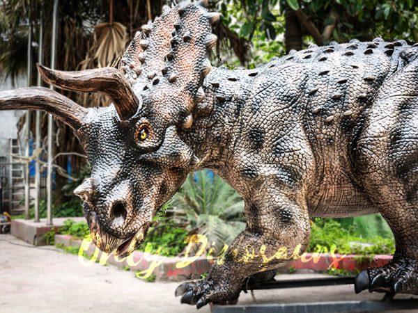 Realistic Jurassic Park Animatronic Triceratops2