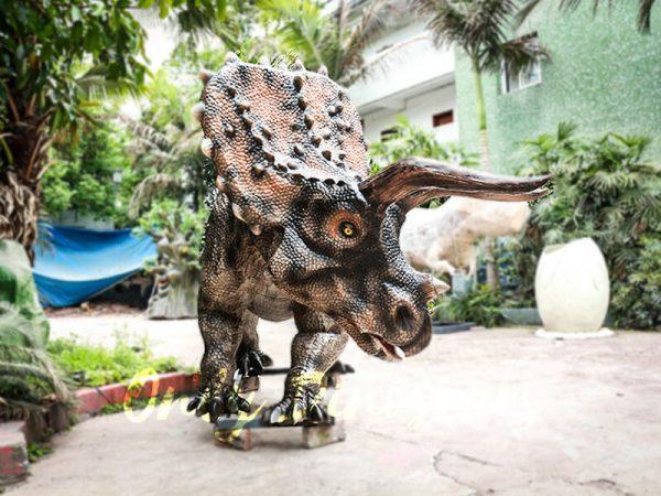 Realistic Jurassic Park Animatronic Triceratops4