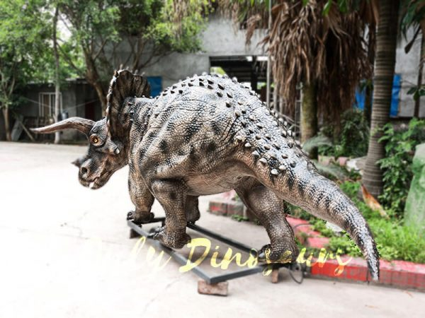 Realistic Jurassic Park Animatronic Triceratops6