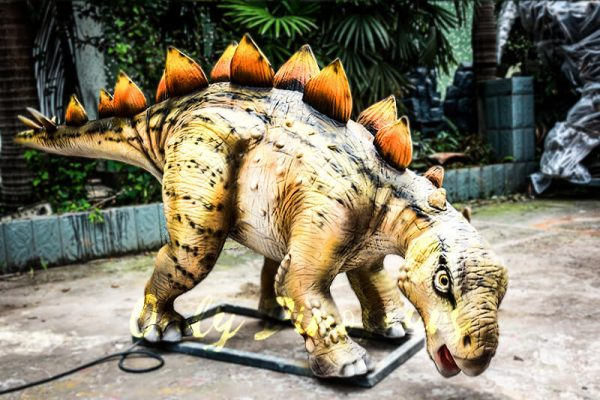 Realistic Juvenile Animatronic Dinosaur Stegosaurus1