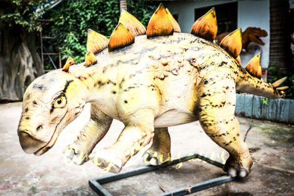 Realistic Juvenile Animatronic Dinosaur Stegosaurus4