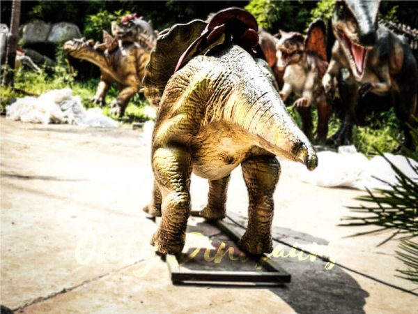Theme Park Amusement ride on dinosaurs Protoceratops4