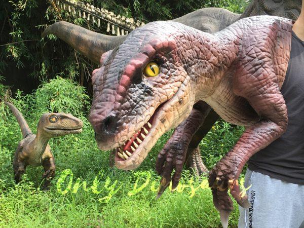 Velociraptor-Shoulder-Puppet-Brown-For-Puppeteer3