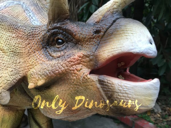 Yellow-Triceratops-Realistic-Dinosaurs-Actor-Costume6