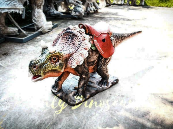 Amuseum Park Ride on Triceratops Dinosaur Facility2