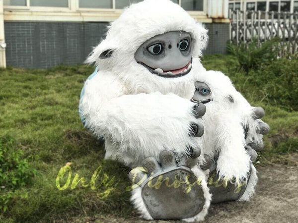 Baby Yeti Puppet in Crate5