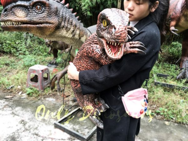 Fierce Raptor Hand Puppet Reality Jurassic World1