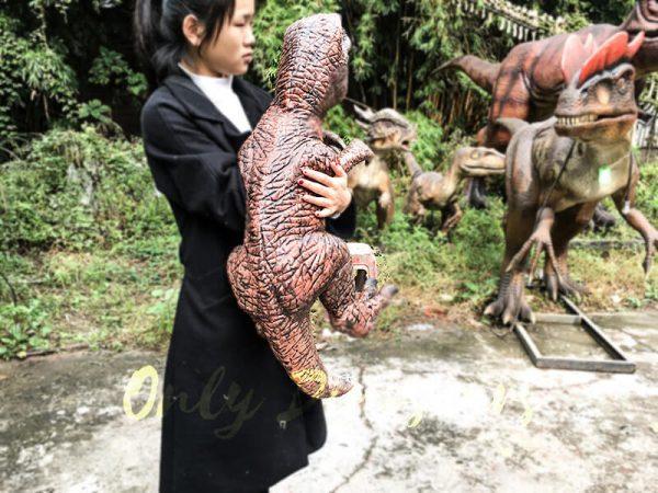 Fierce Raptor Hand Puppet Reality Jurassic World4