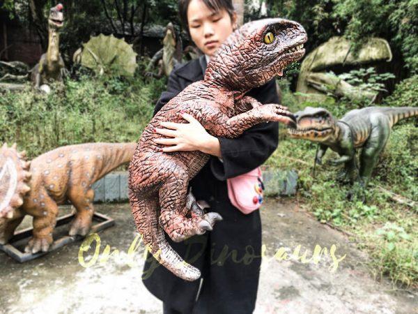 Fierce Raptor Hand Puppet Reality Jurassic World5