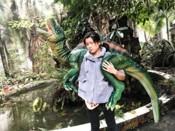 Impressive Spinosaurus Shoulder Puppet Vivid Green2