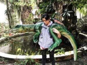 Impressive Spinosaurus Shoulder Puppet Vivid Green