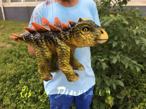 Kid-Stegosaurus-Dino-Puppets-In-Stage-Show2-1