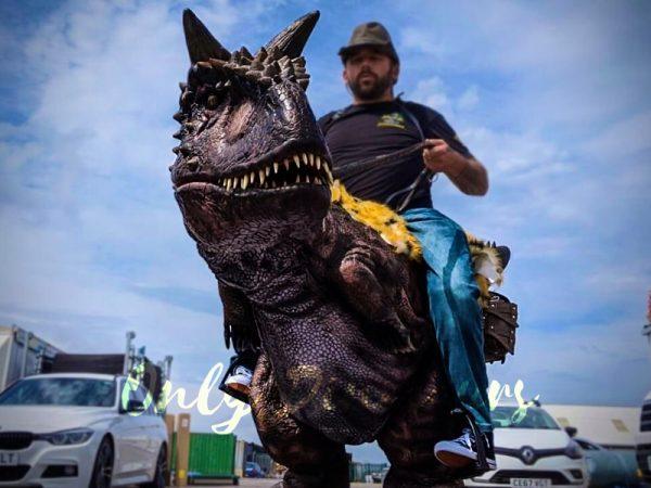 Realistic-Riding-Carnotaurus-Costume-On-Stilts1-3