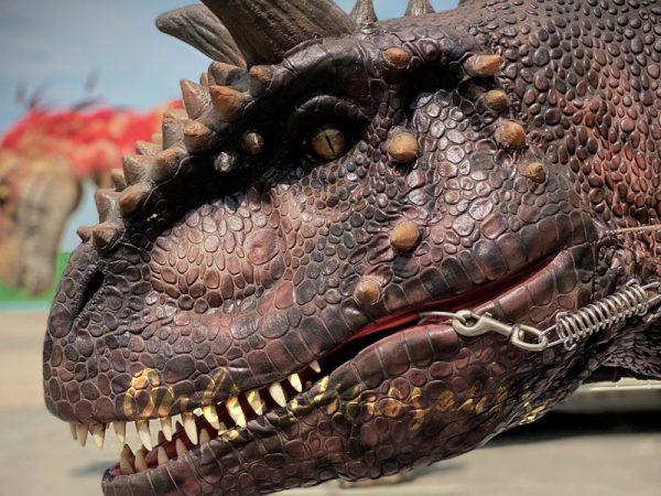 Realistic-Riding-Carnotaurus-Costume-On-Stilts33
