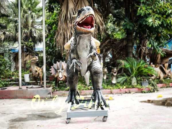 Ride the Dinosaurs Indominus Rex in Park4