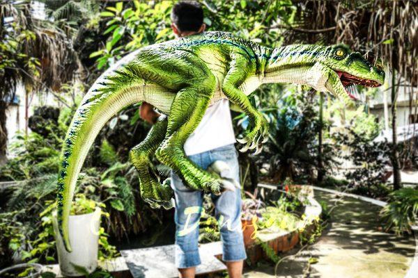 Vivid Raptor Shoulder Puppet Jurassic World Dinosaur4