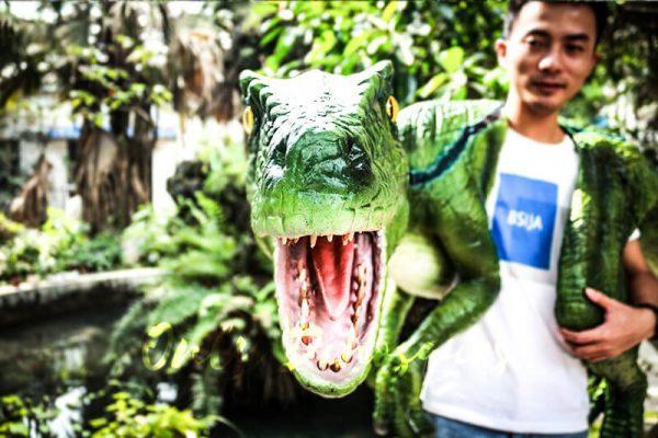 Vivid Raptor Shoulder Puppet Jurassic World Dinosaur5