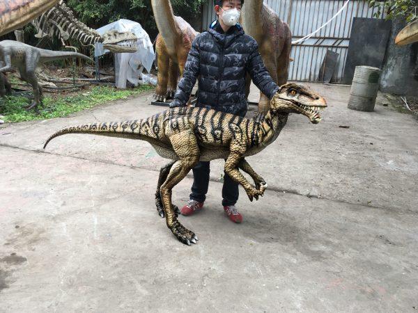Portable-Dinosaur-Puppet-Masiakasaurus-For-Actor1-1