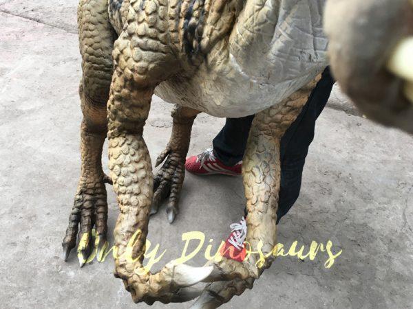 Portable-Dinosaur-Puppet-Masiakasaurus-for-Actor1-2
