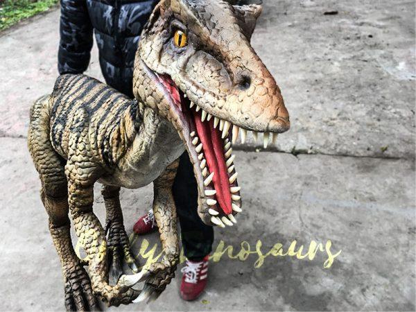 Portable-Dinosaur-Puppet-Masiakasaurus-for-Actor3