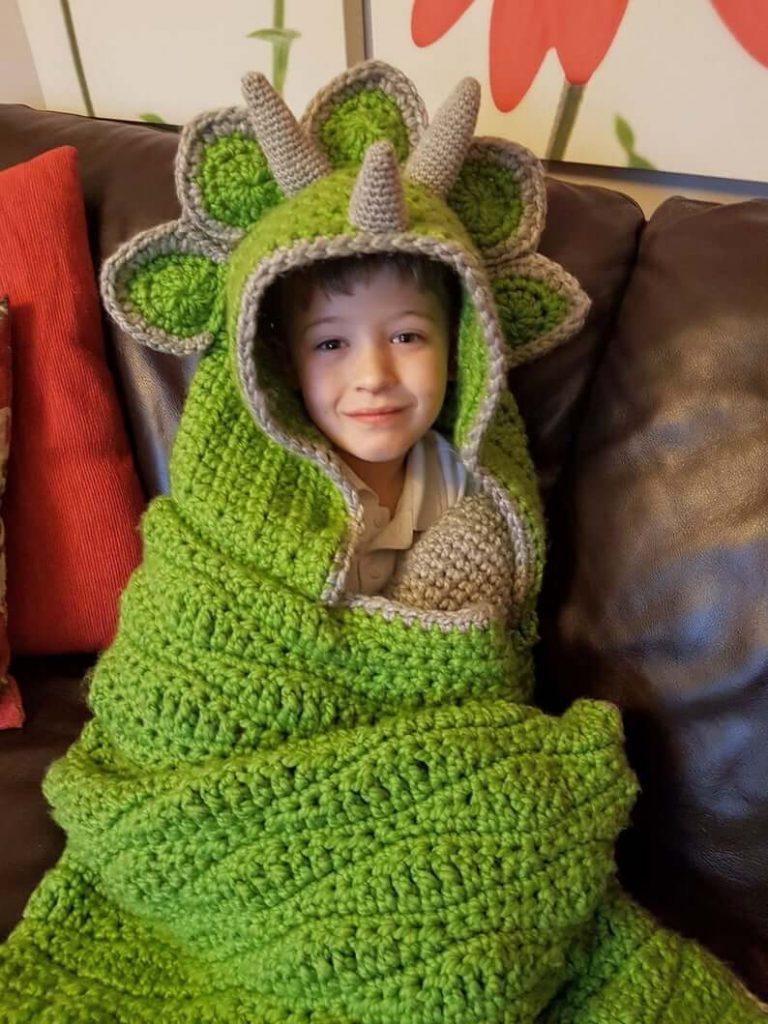 2-in-1-Hooded-Dinosaur-Blanket