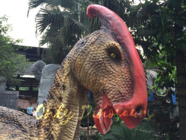 Impressive-Walking-Parasaurolophus-Costume5
