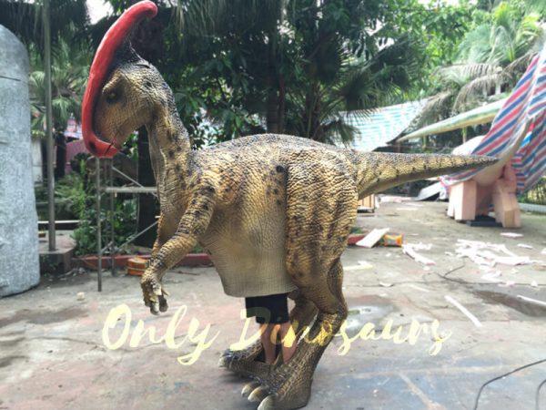 Impressive-Walking-Parasaurolophus-Costume6