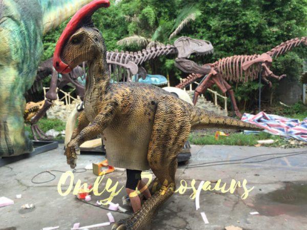 Impressive-Walking-Parasaurolophus-Costume7
