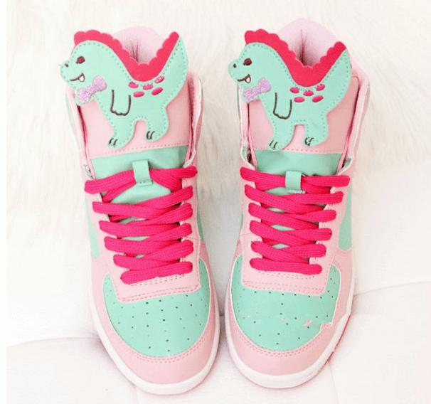 Japanese-kawaii-cartoon-dinosaur-sneakers
