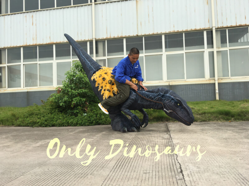 Jurassic-Park-Velociraptor-Costume-with-Digitigrade-Stilts1