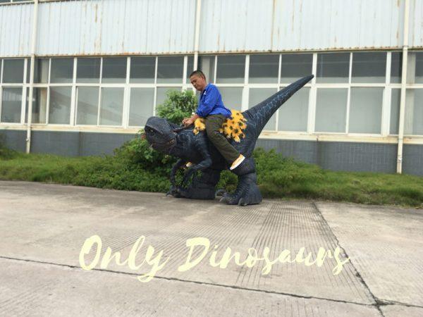 Jurassic-Park-Velociraptor-Costume-with-Digitigrade-Stilts2