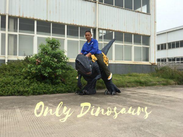Jurassic-Park-Velociraptor-Costume-with-Digitigrade-Stilts3