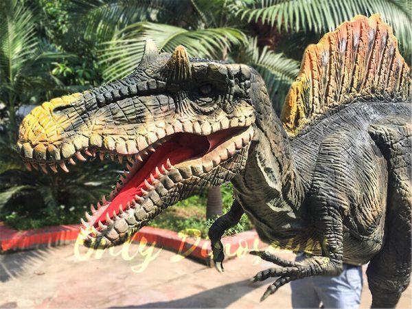 Lifelike-Adult-Spinosaurus-Costume-in-Jurassic-Park1