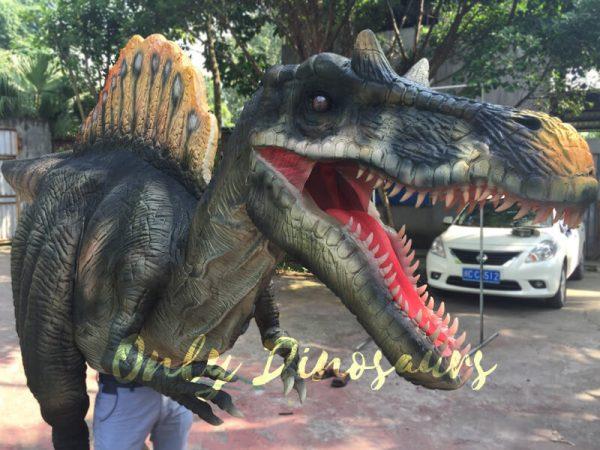 Lifelike-Adult-Spinosaurus-Costume-in-Jurassic-Park4