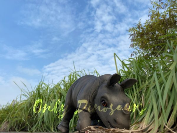 Realistic-Rhinoceros-Handheld-Puppet