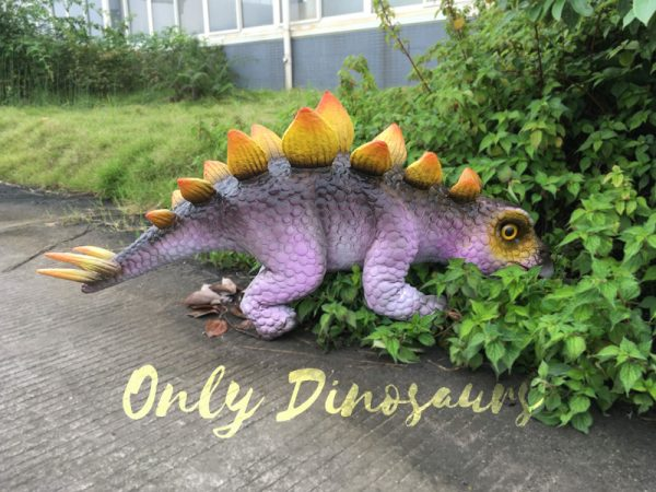 Cute-Mini-Stegosaurus-Puppet-for-Educational-Workshop3