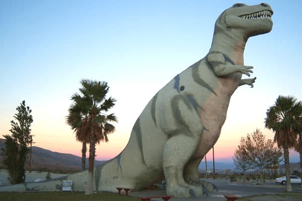 10-Immersive-Dinosaur-Adventures-That-Your-Kids-Will-Never-Forget-Cabazon-Dinosaurs