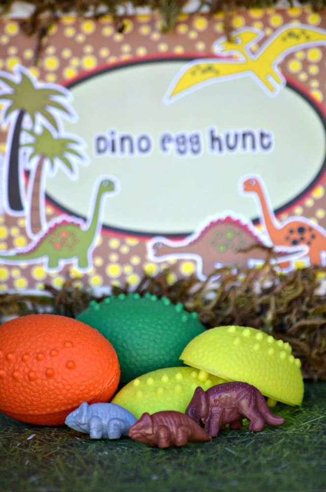 Dinosaur-party-Dino-Egg-Hunt