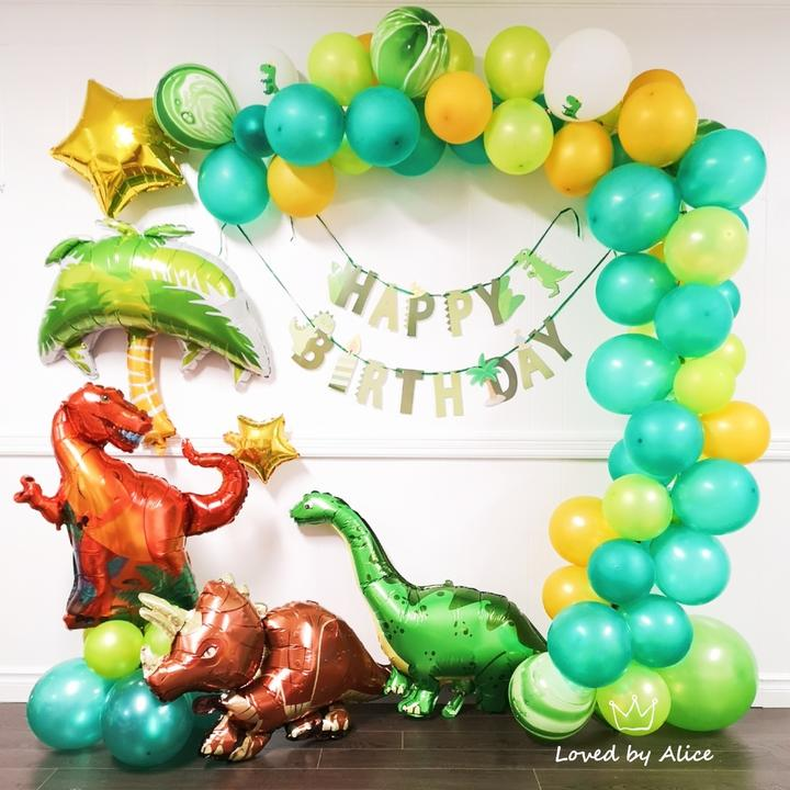 Dinosaur-party-Dinosaur-Balloon-Arch