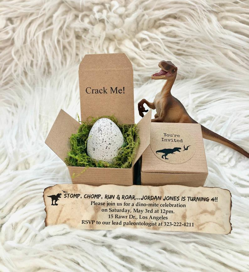 Dinosaur-party-Hatching-invitations-1